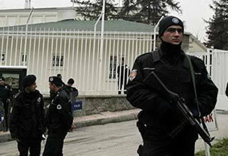 Вооруженный инцидент в одной из школ Анкары, ранен директор