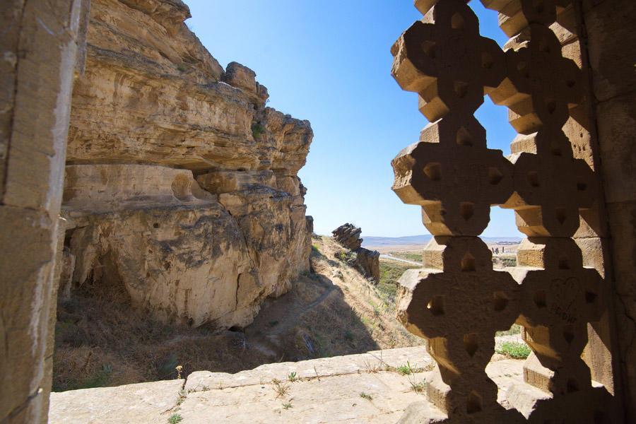 Магнит для тысяч туристов: Мавзолей-мечеть Дири-Баба в окрестностях Шамахы