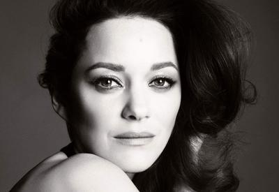 Марион Котийяр стала новым лицом аромата Chanel №5