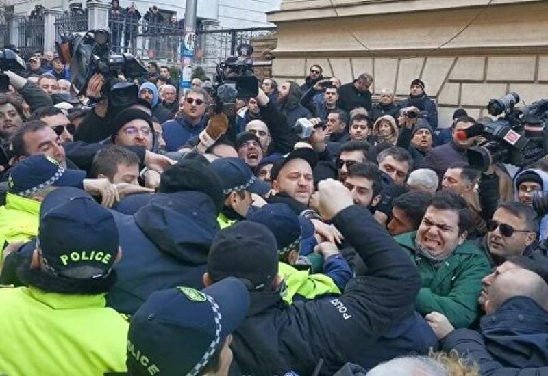Парламент Грузии утвердил нового генпрокурора, несмотря на протесты