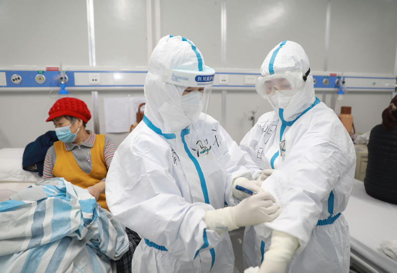 ВОЗ объявила статистику о передаче коронавируса от человека к человеку