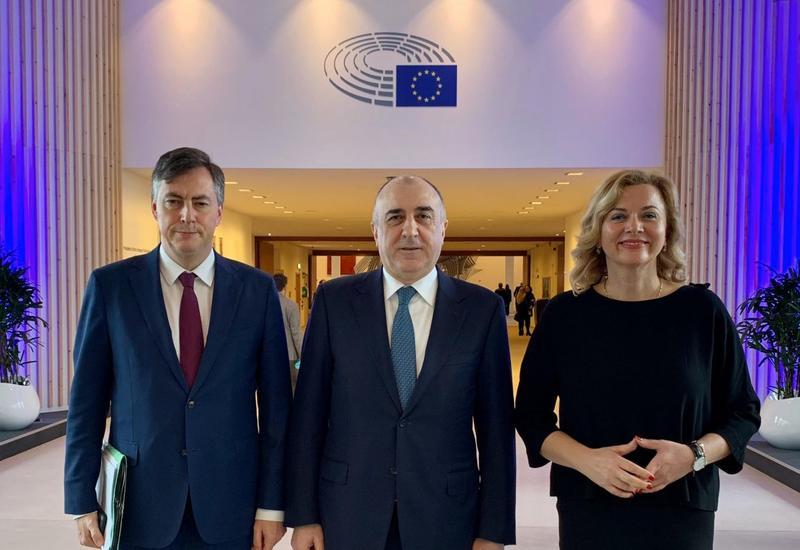 Эльмар Мамедъяров провел переговоры с постоянным докладчиком Европарламента по Азербайджану
