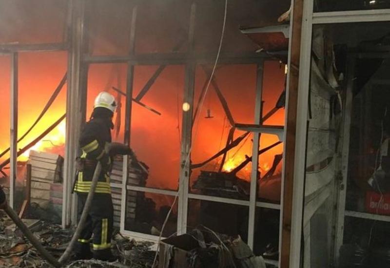 """Названо количество пострадавших при пожаре в торговом центре """"Садарак"""""""