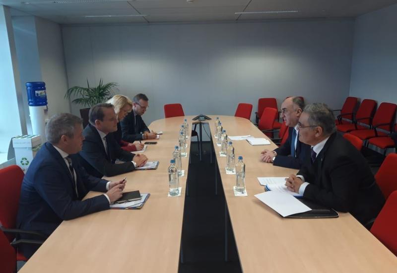 Эльмар Мамедъяров провел переговоры с комиссаром ЕС по европейской политике соседства