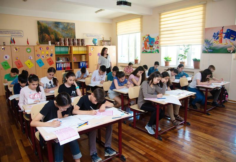 В бакинских школах пройдет олимпиада по английскому языку