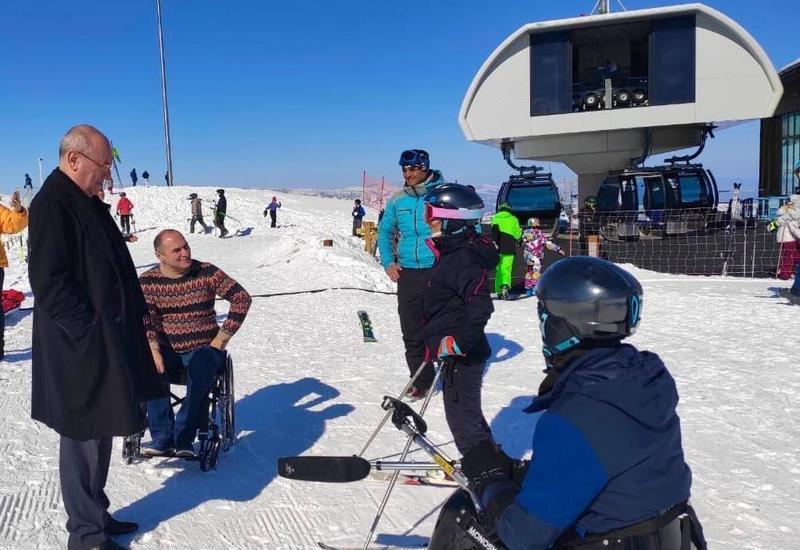В Азербайджане будут развивать зимние паралимпийские виды спорта
