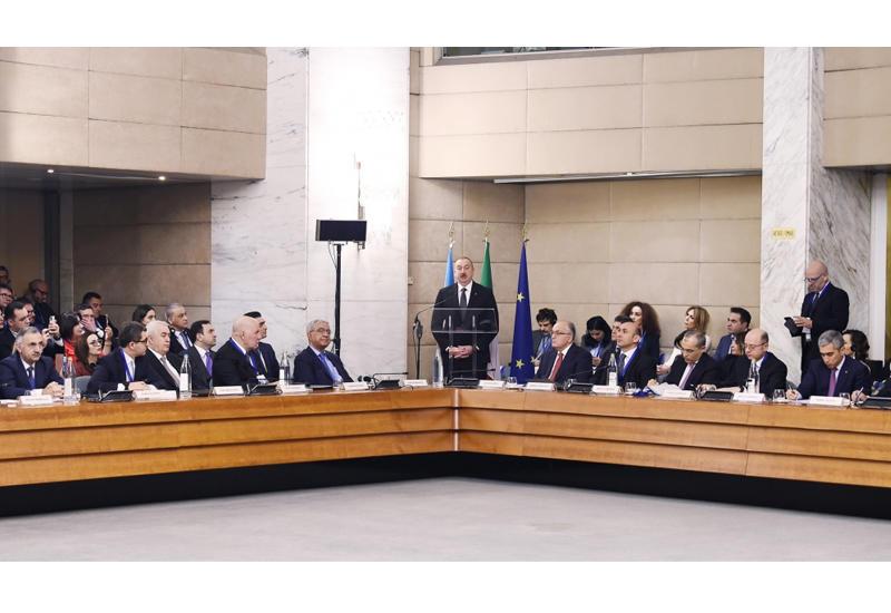Президент Ильхам Алиев принял участие в азербайджано-итальянском бизнес-форуме в Риме
