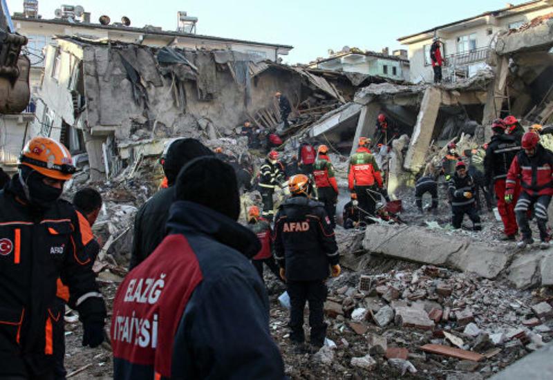 В Турции более 20 человек пострадали при землетрясении