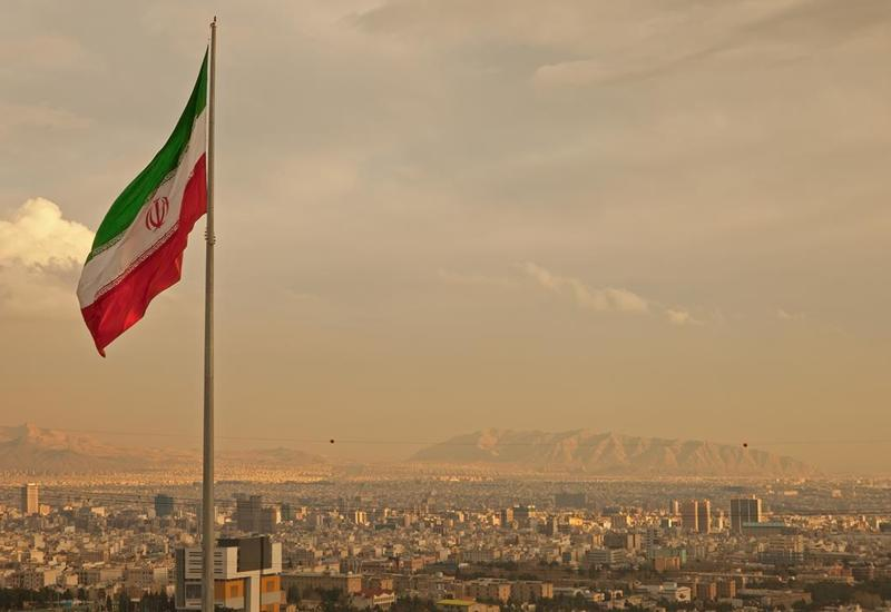 В Иране закрывают школы и университеты