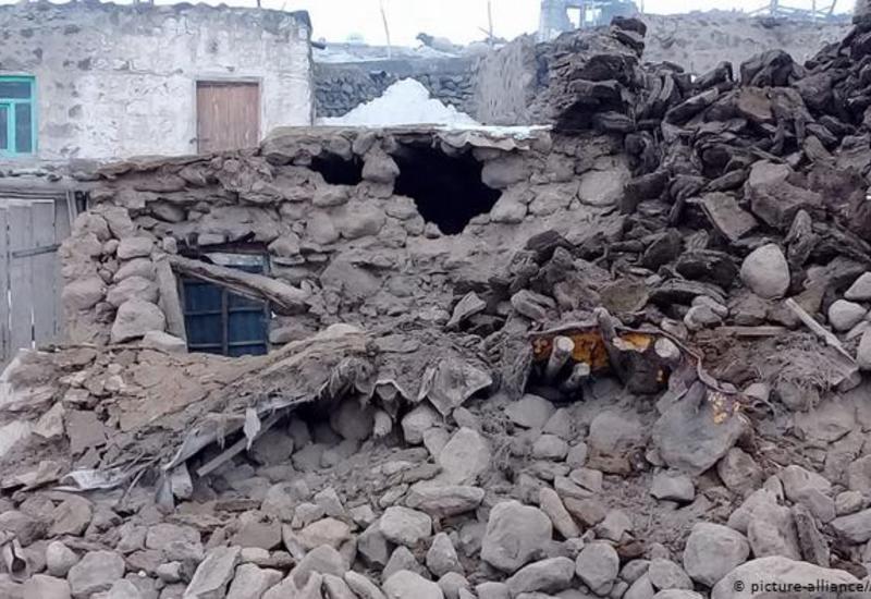 Число пострадавших при землетрясении в Иране выросло до 75, в Турции - до 37