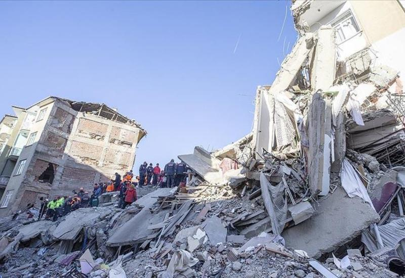 В Иране 25 человек пострадали при землетрясении на границе с Турцией