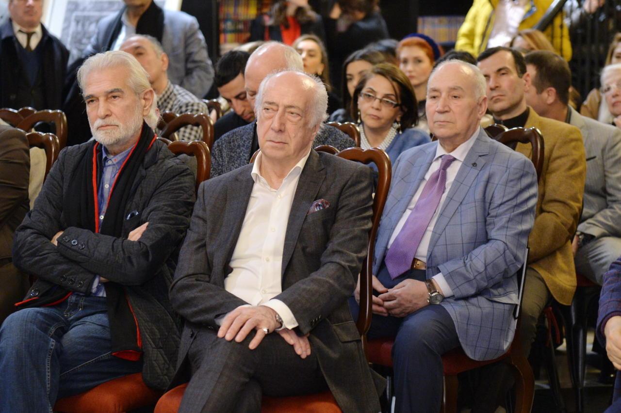 В Баку презентована книга «Карабахнаме. Страницы истории»