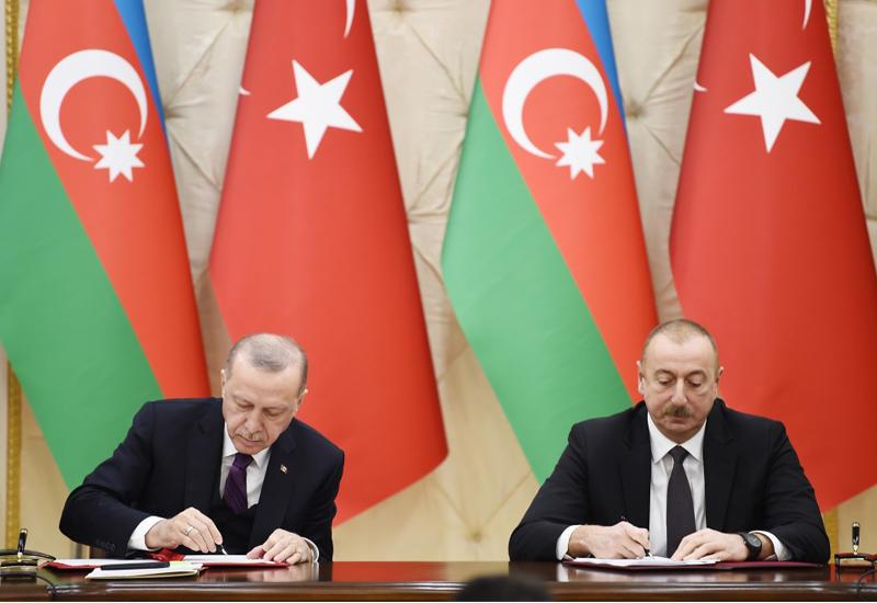 Подписаны азербайджано-турецкие документы