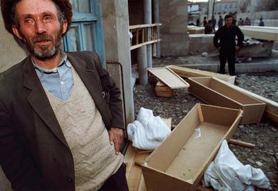 «Женщины и дети в судорогах умирали на снегу» - ужасы Ходжалинской трагедии в фотоленте российского издания