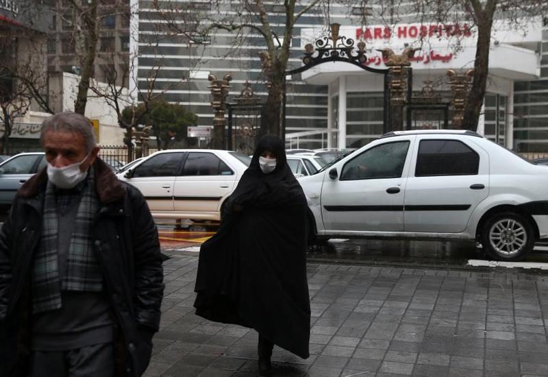 """В Иране рассказали о """"психологическом давлении"""" из-за коронавируса"""