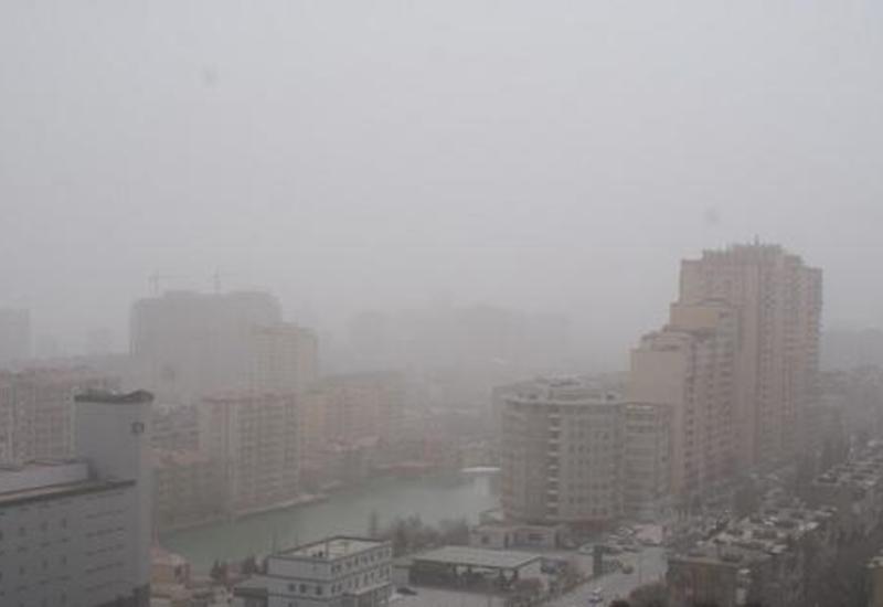 В Баку и на Абшеронском полуострове наблюдается пылевой туман