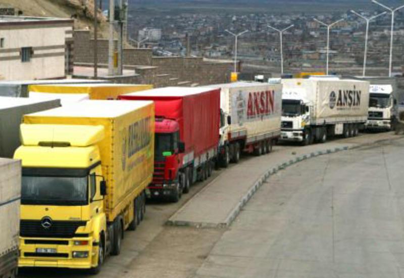 На границе Турции и Нахчывана восстановлено движение грузовых автомобилей