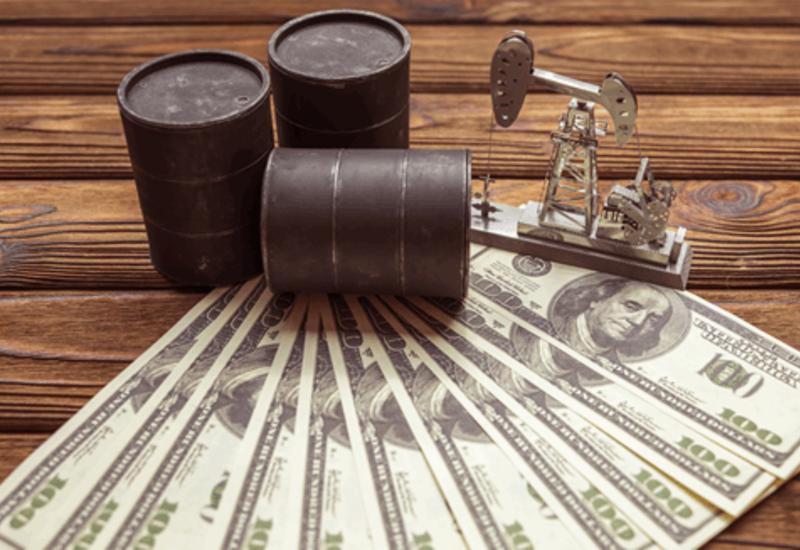 Цена нефти Brent снизилась на 2,4%