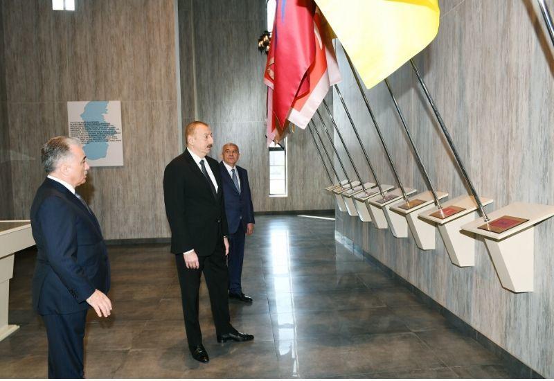 Президент Ильхам Алиев принял участие в открытии Музея государственных символов в Товузе