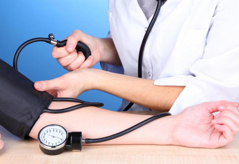 Каквосстановить артериальное давление собственными кулаками