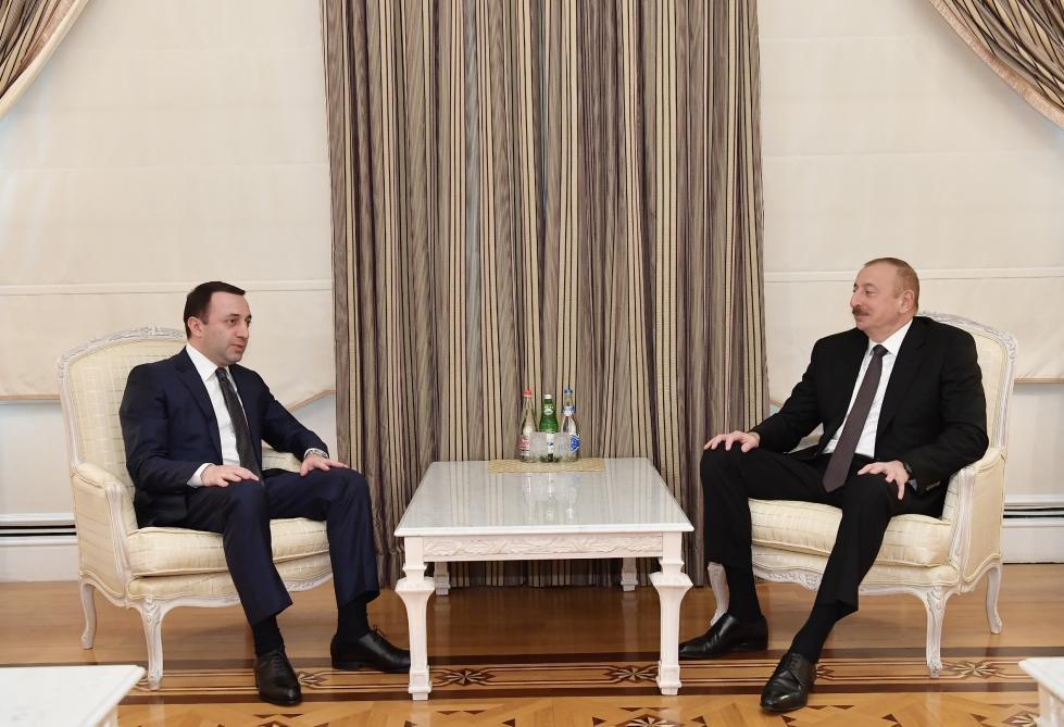 Президент Ильхам Алиев принял министра обороны Грузии