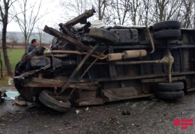 В Масаллы произошла тяжелая авария: погибли две женщины и ребенок
