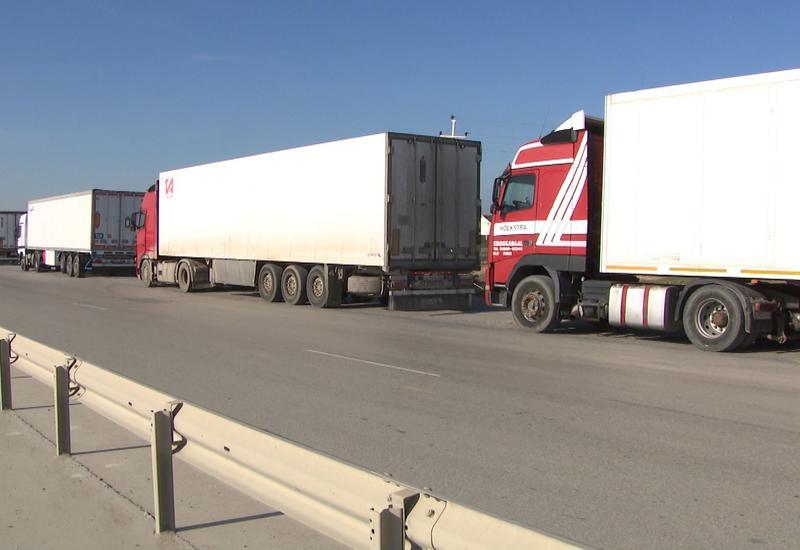 В Азербайджане совершенствуется система международных автоперевозок