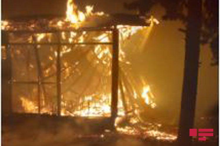 В здании школы в Мингячевире произошел пожар