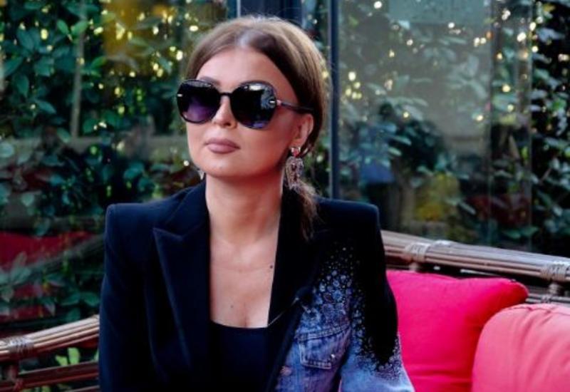 Известная азербайджанская певица обручилась