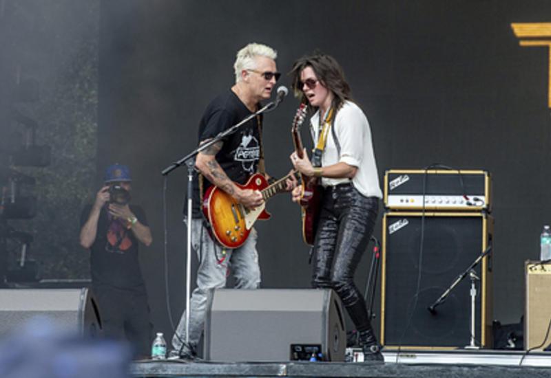 Американская рок-группа отменила концерты из-за коронавируса