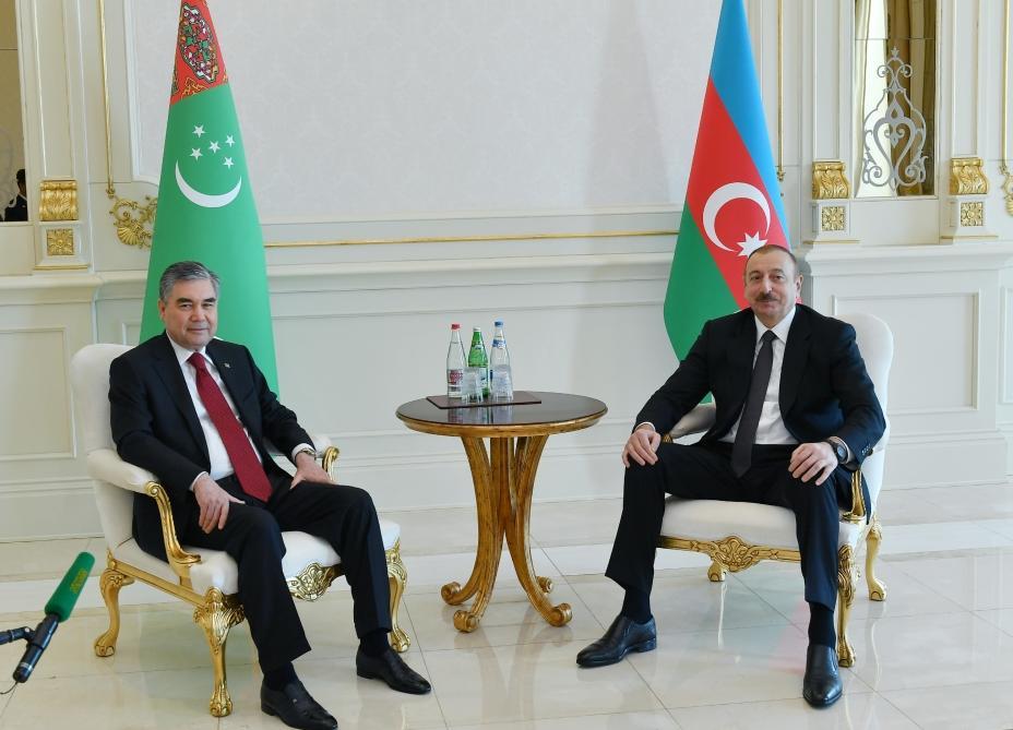 Состоялась встреча Президента Ильхама Алиева и Президента Гурбангулы Бердымухамедова один на один