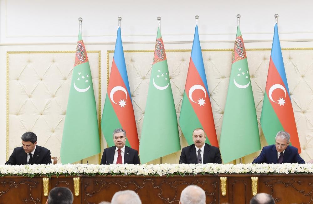 Azərbaycan-Türkmənistan sənədləri imzalanıb