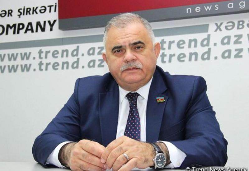 Арзу Нагиев: Азербайджан хочет только освобождения своих земель и не претендует на чужие