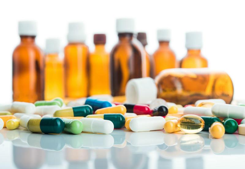Эксперты объяснили, почему антибиотики не убивают коронавирус