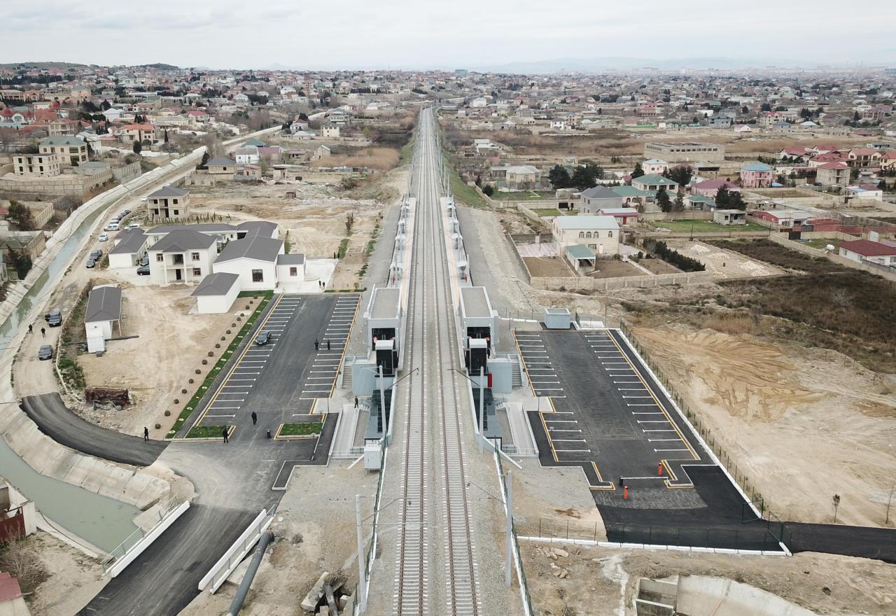 Prezident İlham Əliyev Abşeron dairəvi dəmir yolunun Pirşağı-Görədil-Novxanı-Sumqayıt hissəsinin yenidənqurmadan sonra açılışında iştirak edib