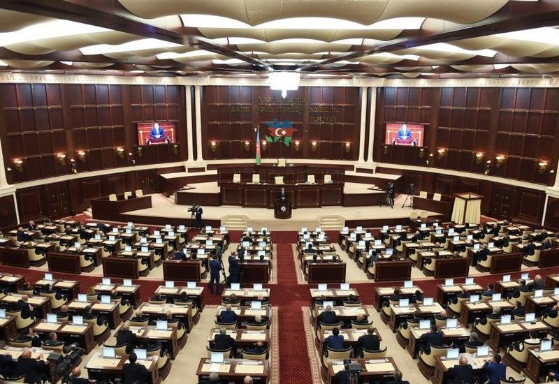 Milli Məclisin plenar iclasının vaxtı dəyişdirilib