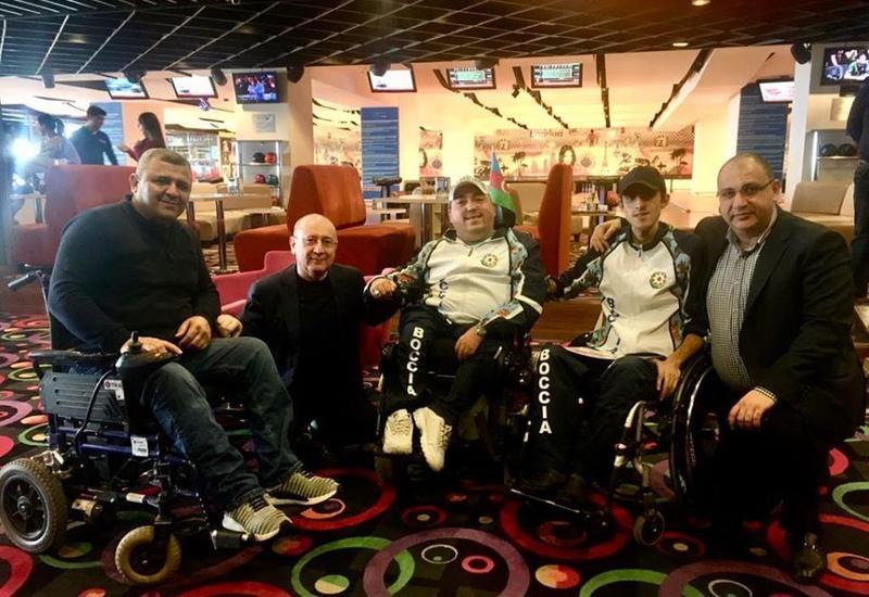 Азербайджанские паралимпийцы присоединились к флешмобу #VirusaMeydanOxuyaq