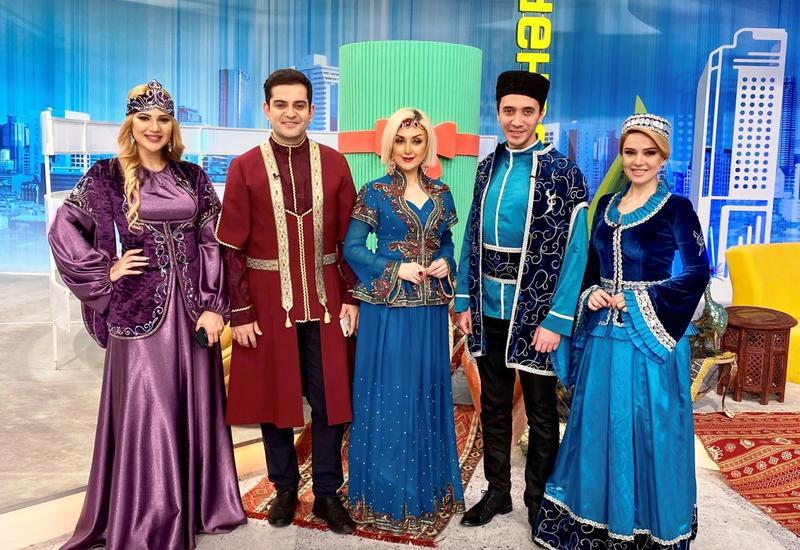 """Азербайджанские телезвезды и исполнители мугама присоединяются к флешмобу """"Оставайся дома, твори дома"""""""