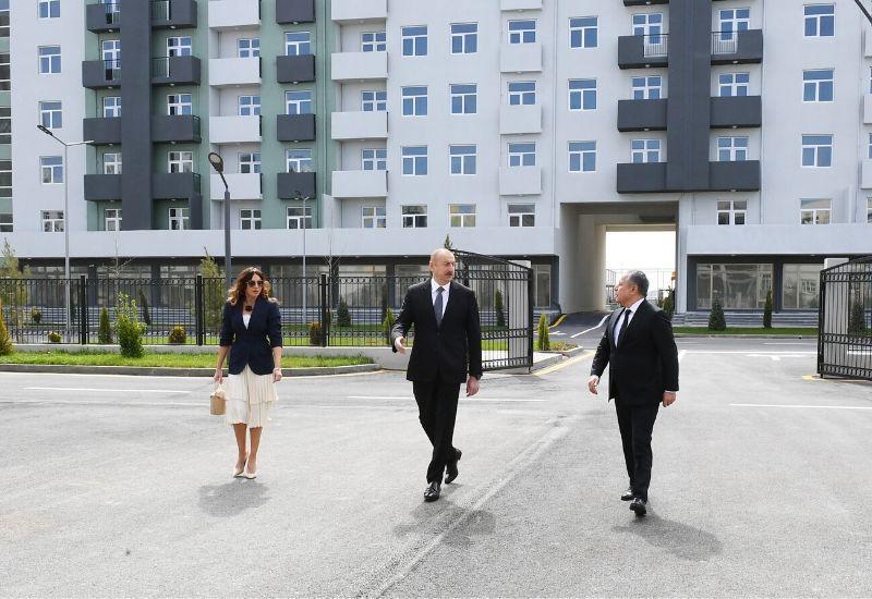 Prezident İlham Əliyev və Birinci xanım Mehriban Əliyeva Hövsan yaşayış kompleksinin açılışında iştirak ediblər