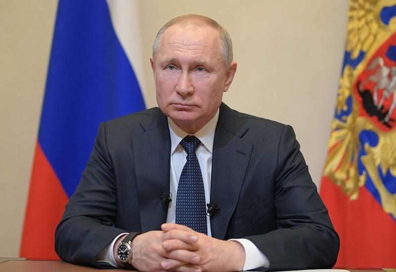 Владимир Путин перенес голосование по Конституции из-за коронавируса