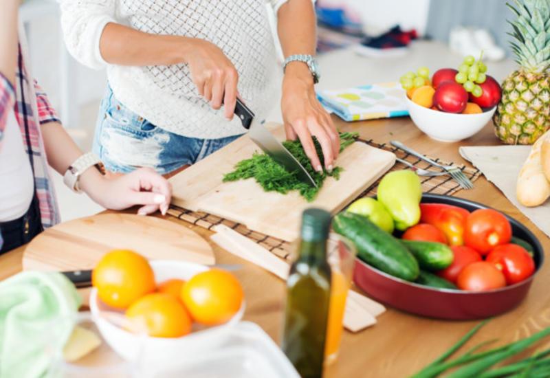 Эксперты рассказали, какие продукты поддерживают и укрепляют иммунитет