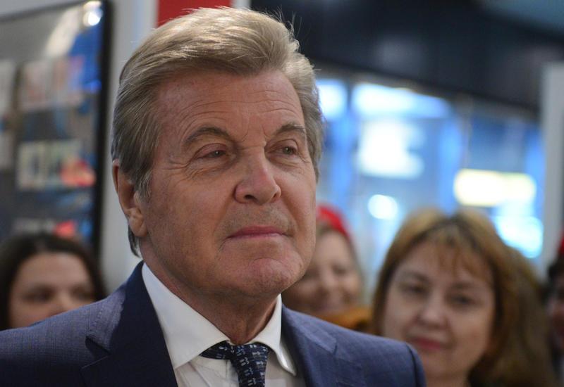 Известный российский певец заразился коронавирусом