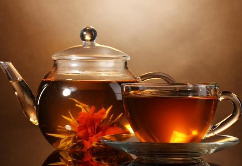 Медики рассказали, что нужно добавлять в чай, чтобы уберечь легкие от коронавируса