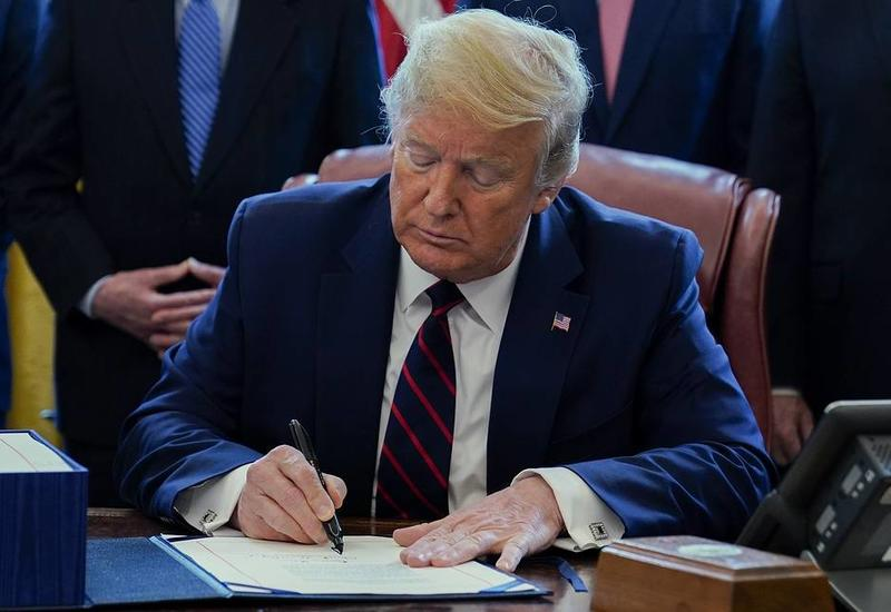 Трамп подписал закон о стимулирующих экономику США мерах на $2 трлн