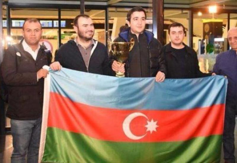 """Азербайджанские шахматисты просят руководство FIDE вернуть Теймура Раджабова в список участников """"Турнира претендентов"""""""