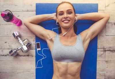 "6 эффективных упражнений для занятий спортом дома <span class=""color_red"">- ФОТО</span>"