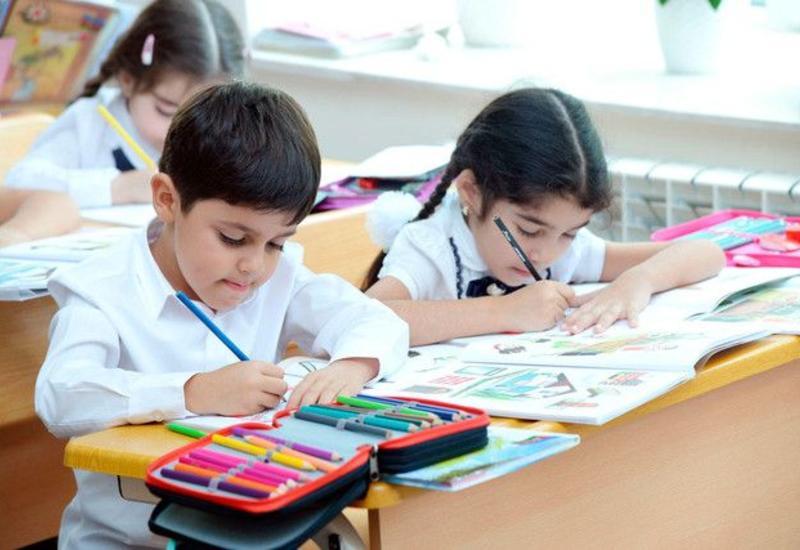 В Азербайджане отменят летние каникулы в школах?