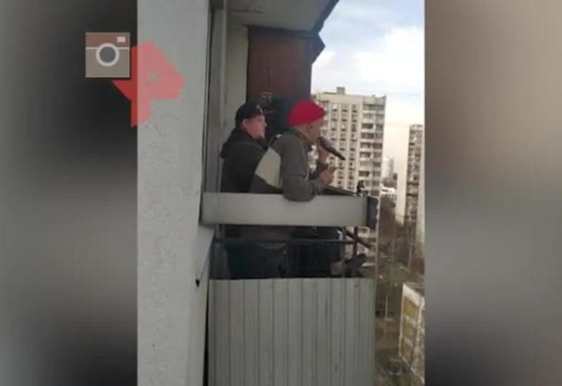 DJ и MC устроили вечеринку с балкона для соседей в Москве