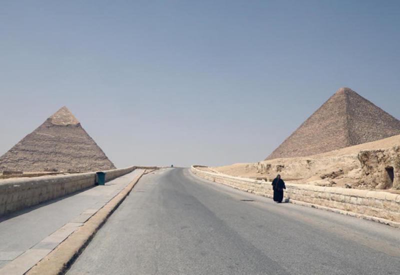 В Египте дезинфицируют пирамиды из-за коронавируса