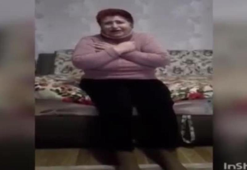 Зараженная украинка просит односельчан не сжигать ее дом